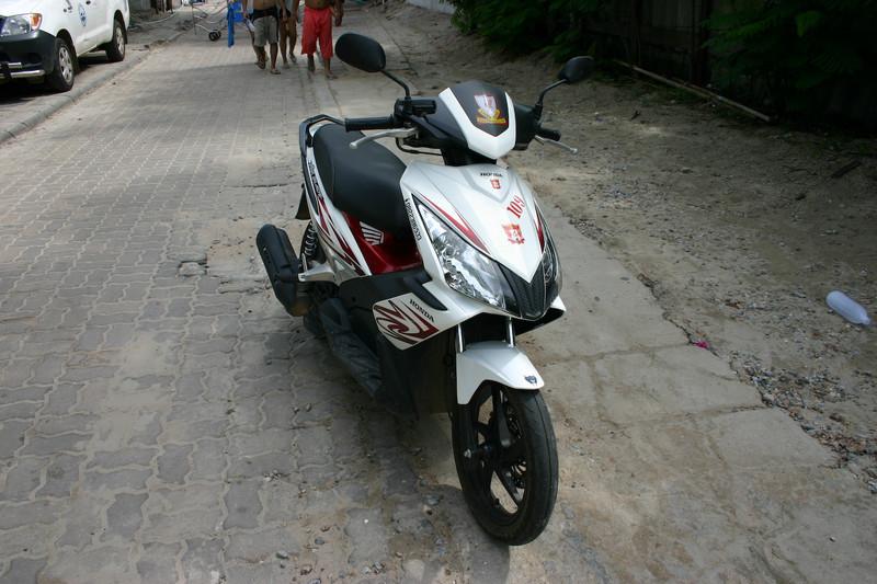 꼬란섬에서 빌린 오토바이